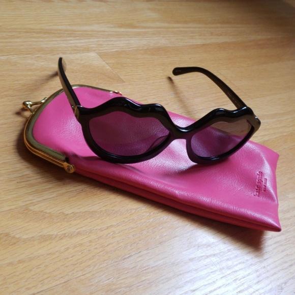 467185b85e44 kate spade Accessories - Kate Spade // SEANNA // Oversized Lip Sunglasses